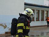 Obrazem: Taktické cvičení složek IZS na příbramském zimním stadionu (58)