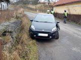 Opilá usedla za volant, narazila do plotu a ještě se zranila (4)