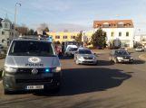 Na kruhovém objezdu došlo k dopravní nehodě se zraněním (3)