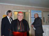 Kardinál Duka navštívil příbramskou nemocnici, požehnal lůžka pro paliativní péči ()