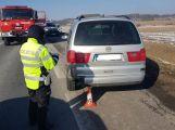 Na hlavní silnici je omezen provoz z důvodu vážné dopravní nehody ()