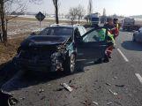 Na hlavní silnici je omezen provoz z důvodu vážné dopravní nehody (11)