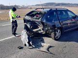 Na hlavní silnici je omezen provoz z důvodu vážné dopravní nehody (9)