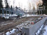 Stavbu restaurace na Nováku nejspíš přeruší mrazy. Přesto se její dokončení předpokládá již koncem května (2)