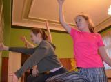 Cvičí mladí, staří, Méďové, Borci i celý Cirkus (10)