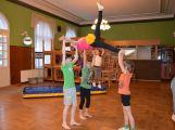 Cvičí mladí, staří, Méďové, Borci i celý Cirkus (1)