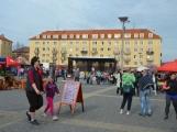 Na náměstí 17. listopadu byli včera zváni masožrouti a jedlíci. Sešla se jich pouze hrstka (27)
