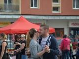 Na náměstí 17. listopadu byli včera zváni masožrouti a jedlíci. Sešla se jich pouze hrstka (13)