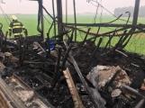 Aktuálně: Plameny zachvátily autobus (7)