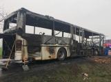 Aktuálně: Plameny zachvátily autobus (2)