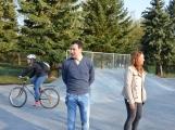 Skatepark v areálu Nového rybníka otevře exhibice zkušených jezdců. Stoupne si na prkno i paní místostarostka? ()