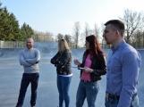 Skatepark v areálu Nového rybníka otevře exhibice zkušených jezdců. Stoupne si na prkno i paní místostarostka? (1)