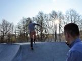 Skatepark v areálu Nového rybníka otevře exhibice zkušených jezdců. Stoupne si na prkno i paní místostarostka? (2)