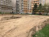 V Čechovské ulici jsou v plném proudu práce na výstavbě parkoviště (2)