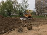 V Čechovské ulici jsou v plném proudu práce na výstavbě parkoviště (4)