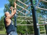Co sportovcům dělá při cvičení společnost? ()