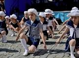 Náměstí v Rožmitále pod Třemšínem v neděli ovládly dechovky (1)