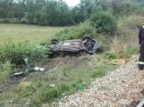 Právě teď: Na Příbramsku vlak smetl osobní auto, řidič na místě zemřel ()