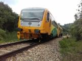 Právě teď: Na Příbramsku vlak smetl osobní auto, řidič na místě zemřel (6)