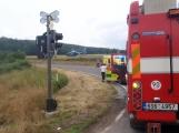 Právě teď: Na Příbramsku vlak smetl osobní auto, řidič na místě zemřel (1)