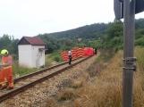 Právě teď: Na Příbramsku vlak smetl osobní auto, řidič na místě zemřel (9)