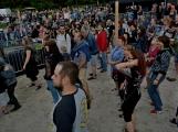 Stovky fanoušků si užily pořádnou porci skvělé muziky i ohňovou show (57)