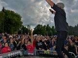 Stovky fanoušků si užily pořádnou porci skvělé muziky i ohňovou show (75)