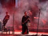 Stovky fanoušků si užily pořádnou porci skvělé muziky i ohňovou show (16)