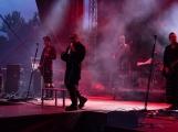 Stovky fanoušků si užily pořádnou porci skvělé muziky i ohňovou show (17)