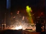 Stovky fanoušků si užily pořádnou porci skvělé muziky i ohňovou show (21)