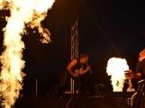 Stovky fanoušků si užily pořádnou porci skvělé muziky i ohňovou show (2)