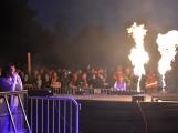 Stovky fanoušků si užily pořádnou porci skvělé muziky i ohňovou show (9)