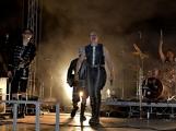 Stovky fanoušků si užily pořádnou porci skvělé muziky i ohňovou show (29)