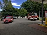 Právě teď: Několik hasičských jednotek zasahuje při požáru nákladního vozidla u čerpací stanice (6)