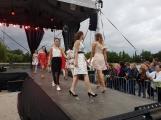 Co uchvátilo diváky více? Módní oblečení nebo sličné ženy? Podvečerní program Family Festu nabídl přehlídku krásy (11)