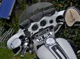 Za vůní benzínu, kůže, leskem chromu a duněním motoru se skrývá magická 90 (78)