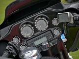 Za vůní benzínu, kůže, leskem chromu a duněním motoru se skrývá magická 90 (40)