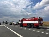 Hromadná kolize tří vozidel omezuje průjezd křižovatkou Lety (2)