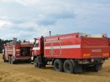 Současné sucho a polní práce přidělávají práci hasičům. Na Příbramsku během hodiny vyjeli dvakrát. (1)