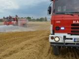 Současné sucho a polní práce přidělávají práci hasičům. Na Příbramsku během hodiny vyjeli dvakrát. (11)