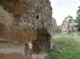 Duch krutého rytíře Hunce obývá okolí zříceniny dodnes (19)