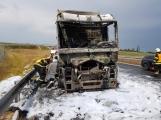 AKTUÁLNĚ: Požár kamionu zastavil provoz na D4 ()