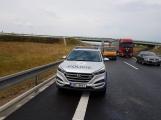 AKTUÁLNĚ: Požár kamionu zastavil provoz na D4 (3)