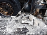 AKTUÁLNĚ: Požár kamionu zastavil provoz na D4 (10)