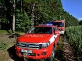 Požár okraje lesa mezi obcemi Nesvačily a Strýčkovy (7)