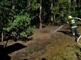 Požár okraje lesa mezi obcemi Nesvačily a Strýčkovy (14)