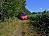 Požár okraje lesa mezi obcemi Nesvačily a Strýčkovy (39)