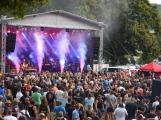 Rockový nářez si v Jincích užívalo více než tisíc diváků (20)