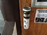 Zásobník na Obecním úřadě a poště Tochovice (nádoba na krycí papírky) (1)