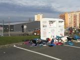 Foto dne: Kontejnery na textil se proměnily ve skládku ()